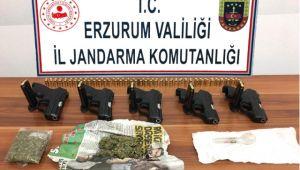 Erzurum'da 5 Adet Ruhsatsız Tabanca Ele Geçirildi
