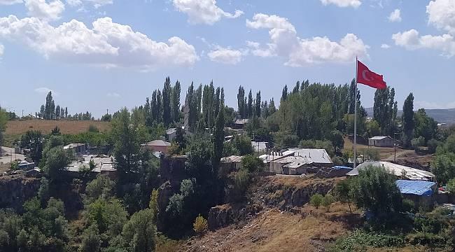 Haberimiz Ses Getirdi ve Türk Bayrağı Oraya Asıldı..